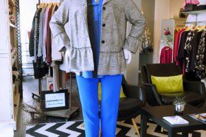 Unser Look der Woche – azurblau und Glencheck