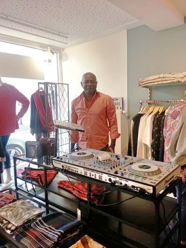 Freundinnen-Shopping am 08.11.2018 mit DJ Abdul, Prozenten & Vorweihnachtsmarkt