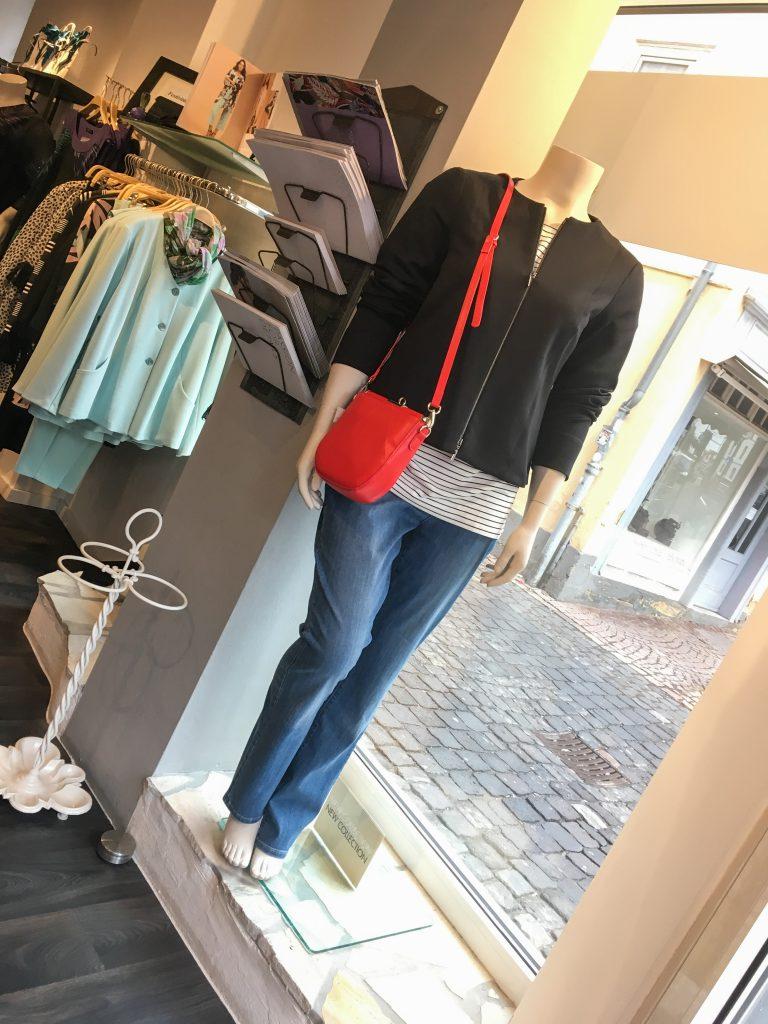 Unser Look der Woche - Klassisch chic kombiniert mit Jeans